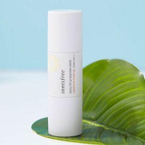 kem-chong-nang-dang-thoi-2-dau-innisfree-daily-uv-protection-stick-calamine-tone-up-spf50-pa